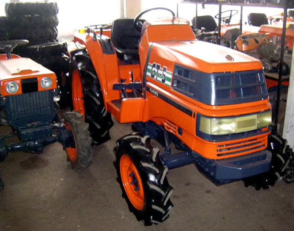 Kubota Tractor Spare Parts : Tractor kubota gt wd